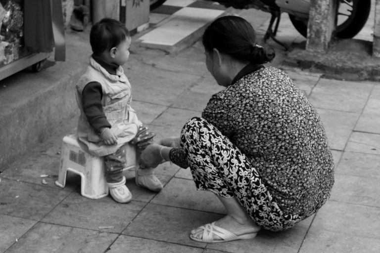 Mother and daughter. Hanoi, Vietnam